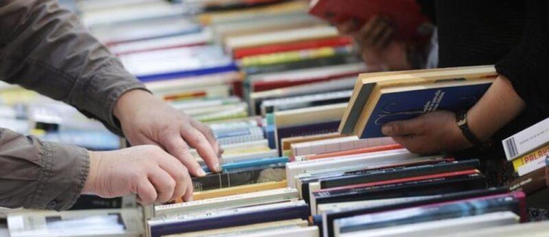 الصين والولايات المتحدة ينشروا نصف الكتب في العالم