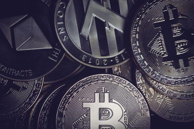 و السرقة في سوق العملات الرقمية المشفرة